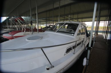 Carver 28 Express Cruiser, 27', for sale - $19,000