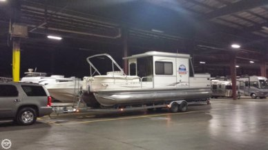Sun Tracker 32 Party Cruiser, 31', for sale - $35,000