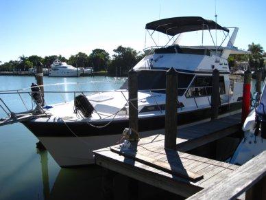 President 37 Motoryacht, 39', for sale - $39,900