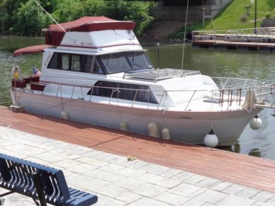Marinette 32, 32', for sale - $22,000