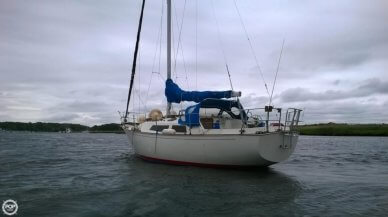 C & C Yachts Landfall 35, 34', for sale - $17,500
