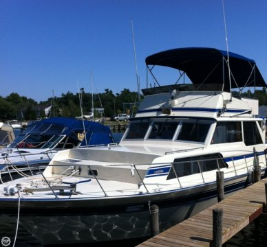 Marinette 37 Double Cabin, 37', for sale - $26,000