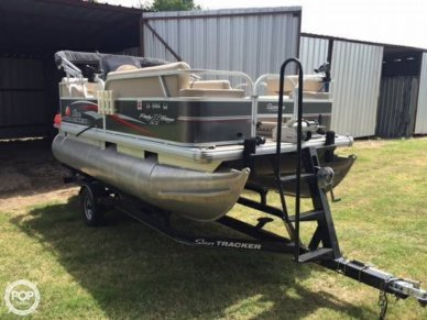 Sun Tracker 16 DLX Party Barge, 16, for sale - $18,998