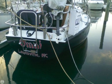 Hunter 27, 27', for sale - $8,000