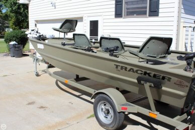 Tracker 1754 Grizzly, 17', for sale - $13,999