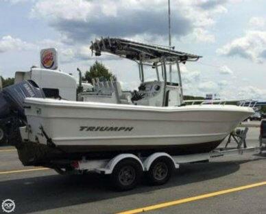 Triumph 235 CC, 23', for sale - $38,900