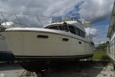 Carver 3807 AC Motoryacht, 37', for sale - $17,500