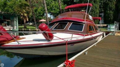 Campbell Flybridge 32, 32', for sale - $49,500